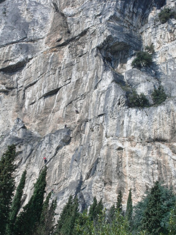 Kletterer vor uns in den ersten Längen der Sagantini